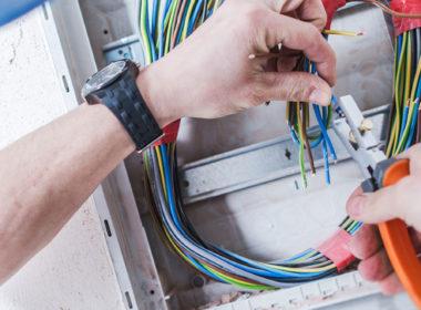 Sähkötyöturvallisuuden standardi SFS 6002 on muuttunut