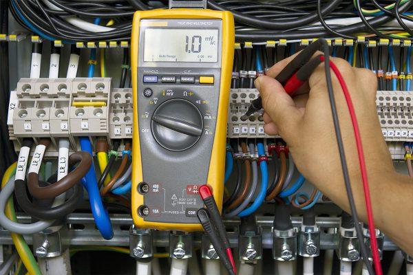 Sähkötyöturvallisuus Sähkäri SFS 6002