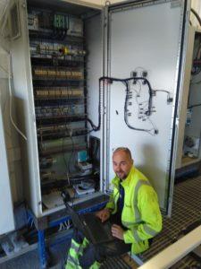 Timo Salminen vastaa Honkarakenteen sahkokunnossapidosta Karstulan tehtailla