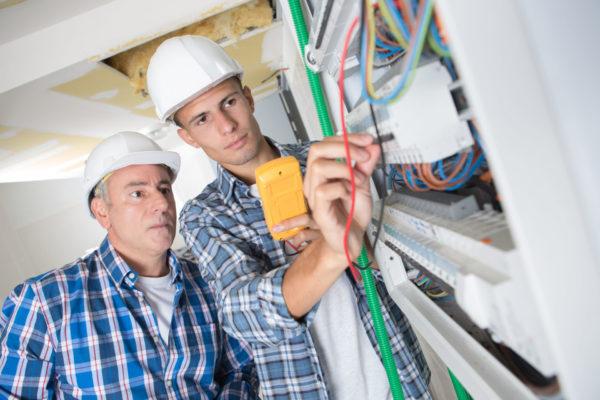 Opiskelijan sähkötyöturvallisuus-verkkokoulutus