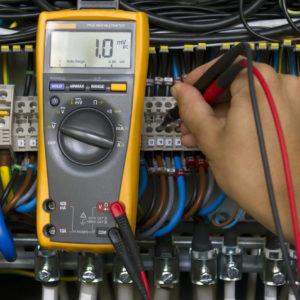 SFS6002-sähkötyöturvallisuuskortti